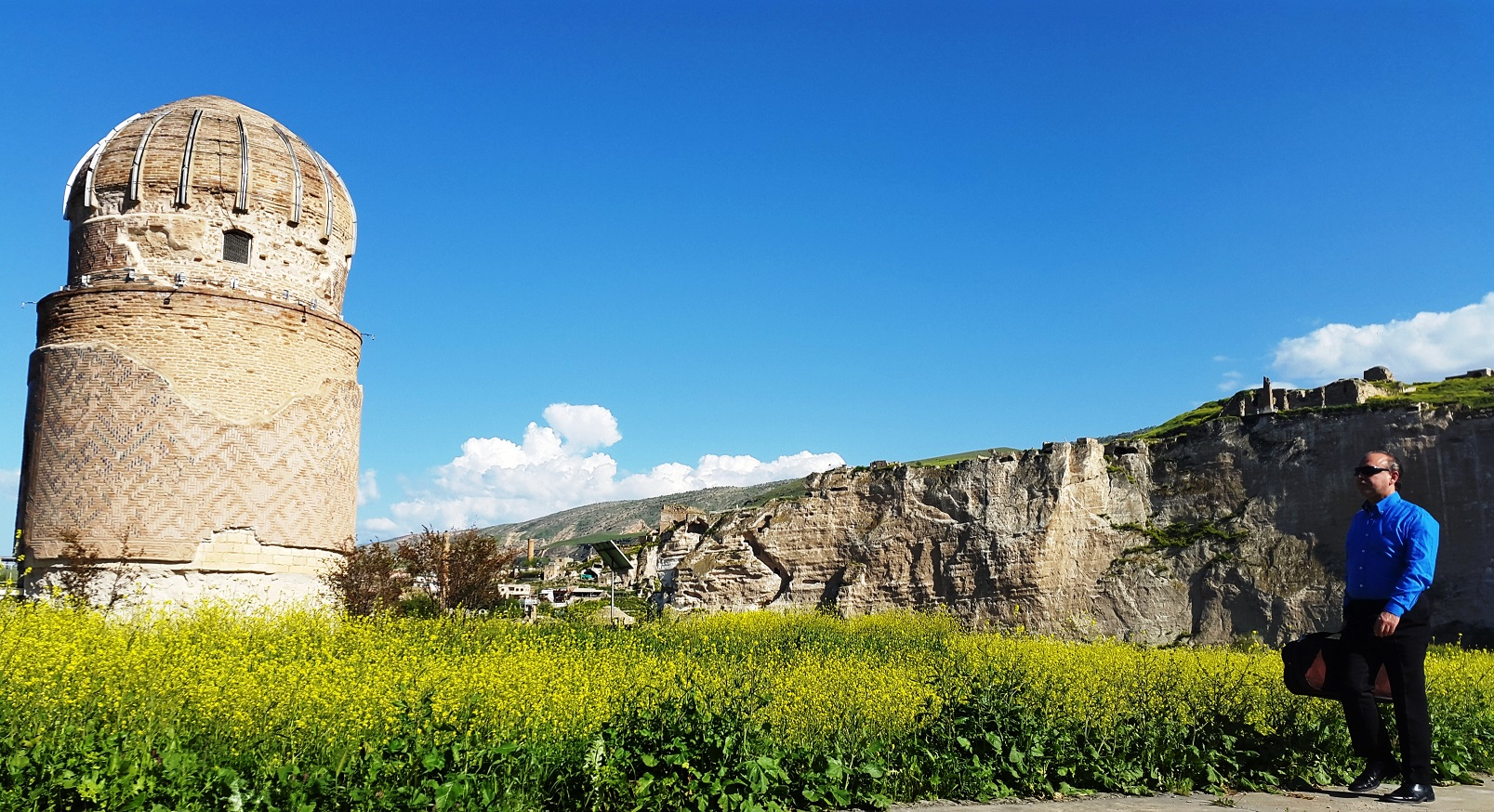 Zeynel Bey's Tomb in Hasankeyf, dating from 1473, has since been lifted and carried away!