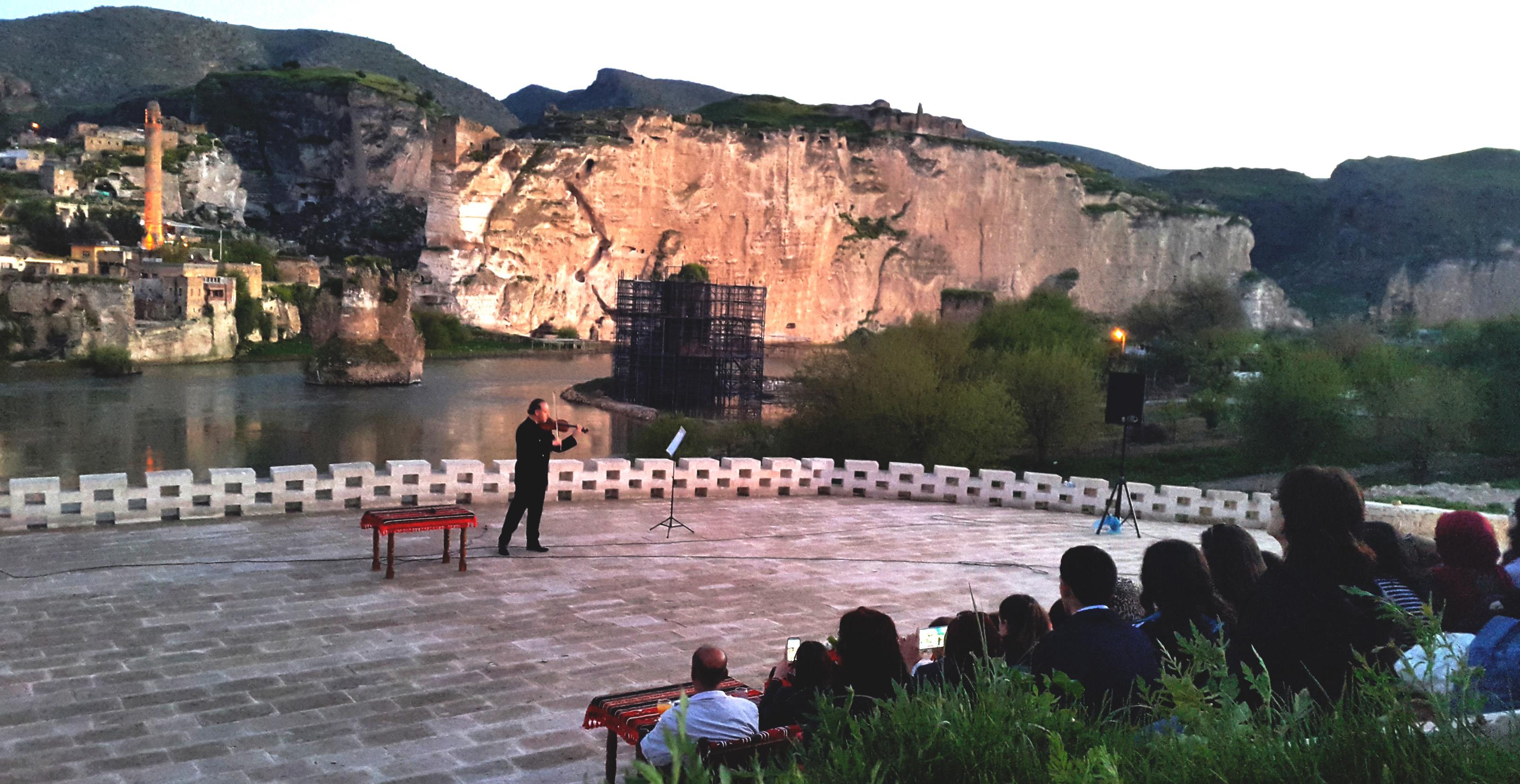 2015.04.17 Violin Residence!, Hasankeyf